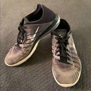 Nike Free TR 6 Training Sneakers Gray Black Sz 8